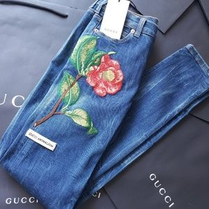 NWT Auth Gucci Flower Embroidered Skinny Jeans